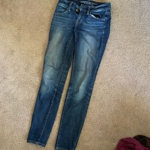GENTLY USED AEO JEANS